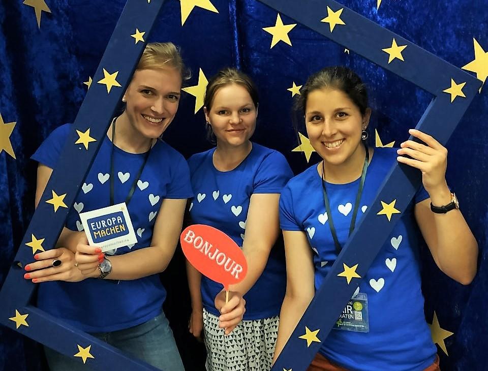 Drei Helferinnen am Stand der Europa-Union Dortmund